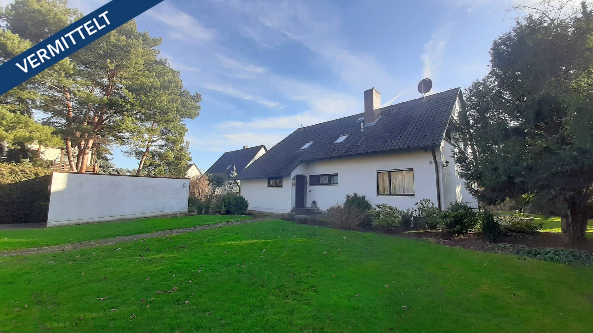 immobilienmakler_kitzingen_verkaufen-fexer-immobilien-kitzingen_Haus-Frontansicht_vermittelt_001