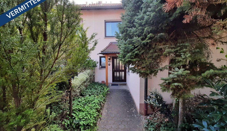 reihenhaus_kitzingen_verkaufen-fexer-immobilien-kitzingen_Haus-Frontansicht_vermittelt_001