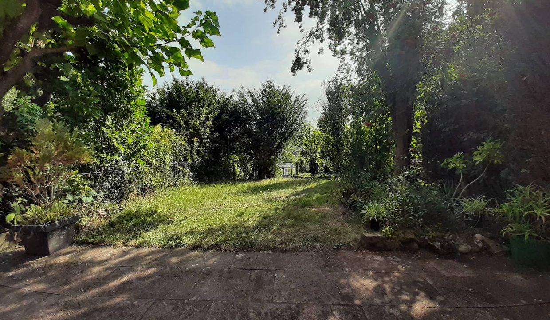 reihenhaus_kitzingen_verkaufen-fexer-immobilien-kitzingen_Haus-Gartenansicht_vermittelt_004