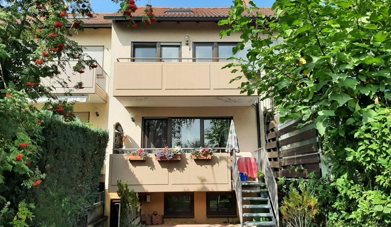 reihenhaus_kitzingen_verkaufen-fexer-immobilien-kitzingen_Haus-Rueckansicht_vermittelt_002